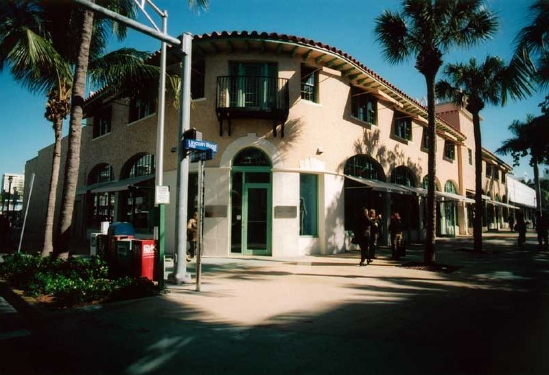 825 Lincoln Rd – 3